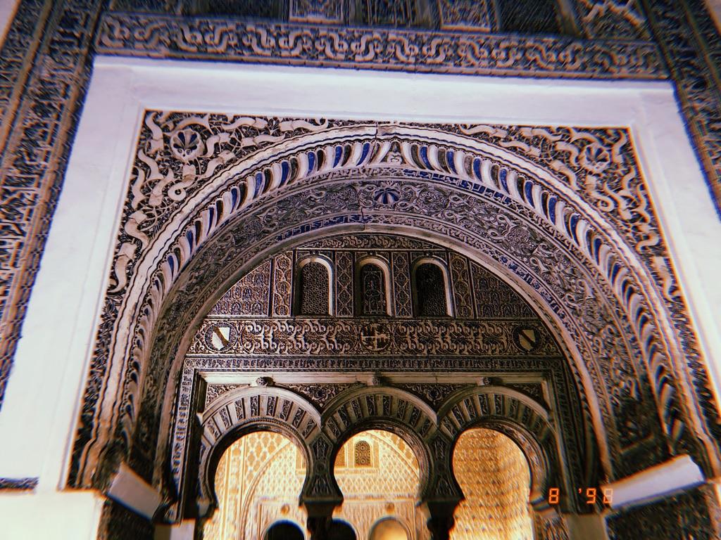 Historical Weekend Walks:  Alcázar of Seville (al-Qasr al-Muriq), Seville,Spain
